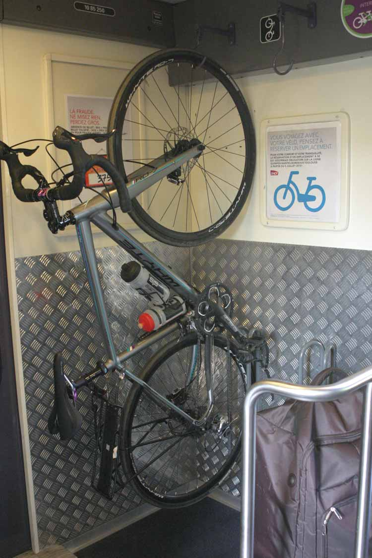 guide to taking bikes on trains
